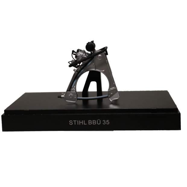 Stihl Motorsägen Modell Typ BBÜ, Maßstab 1:12, Sammlerstück, Sammlermodell